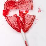 RT @respetocanas: Nos acaban de romper el corazón. Caramelos FIESTA echa el cierre. http://t.co/Kj6az17QWp