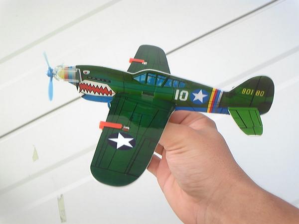 バカヤロウ俺達の模型飛行機と言えばこれだろうが http://t.co/8TKk0zasEI