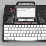 La machine à écrire revient à la mode, ici la Hemingwrite. Alors, sortez vos casses et vos types en plomb, qui sait ? http://t.co/U8Qtk8eKlR