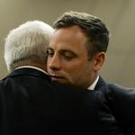 Oscar Pistorius condamné à 5 ans de prison http://t.co/wGyQa9Hcjh http://t.co/FzRmz3RVQu