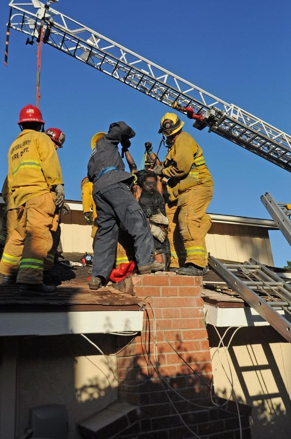 Woman gets stuck in chimney after trying to sneak into ex boyfriends house. http://t.co/pbKv3dCmBb http://t.co/2ETJ9GtajA