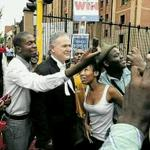 """RT @KeTebogoFS: Barry Roux does his """"Community Selfies"""" before his holiday in Cuba http://t.co/xWyG87AqII"""