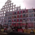What a Massive Arch at @RamCinemas!! Thanks for the HUGE Celebration Guys..#Kaththi Thiruvilaa http://t.co/9DAWXTWRAO