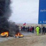 Pobladores de Ramada protestan por desalojo en sector costero al norte de Caldera. http://t.co/AOblGsk7bp