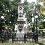 Monumento a los mártires de Uruapan es un obelisco situado en la plaza central en Uruapan, Michoacán, México. http://t.co/BfdpuU7ByQ