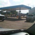 """""""@lizardo_jesus: #21Oct CONTINÚAN CIERRES de estaciones de gasolina porq NO HAY COMBUSTIBLE!!!, ni siquiera 91. http://t.co/JaQ50zTh6i""""CALLE"""