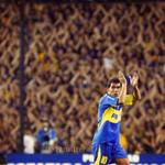 RT @La12tuittera: #UnDiaComoHoy 21/10/2001 hacía su debut TEVEZ en la primera Boca Pasan los años, te seguimos esperando @carlitos3210 http://t.co/i6TdaZA5Mf