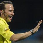 Edwin van de Graaf fluit dinsdag 28 oktober het bekerduel SV Urk - #Ajax. http://t.co/agwO2S9r4y http://t.co/AtTiZZEnpu