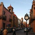En #Querétaro: súbete al trolebús, visita el acueducto y disfruta de unas deliciosas enchiladas...eso para empezar... http://t.co/0jeEMCZNL0