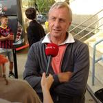 Johan #Cruijff in gesprek met #Ajax TV tijdens de rust van #baraja in de @UEFAYouthLeague #UYL http://t.co/9yQcRicg9v