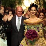 RT @VanityFair: .@styledotcom looks back at Oscar de la Rentas illustrious 50-year career in fashion http://t.co/usmiQCUtXs http://t.co/7t9aqwAlbe