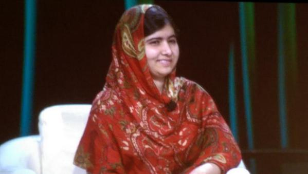 Huge cheers and a standing ovation as Malala Yousafzai takes the stage at #Under30Summit http://t.co/Qt8jGtiCG4