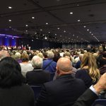 Salle pleine ce soir, près de 4500 personnes, pour cet échange avec @NicolasSarkozy http://t.co/5kPjnQIbII