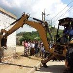 RT @DonjuanDeleon: @carlosecaicedo da inicio a la construcción del nuevo puesto de Salud de Bastidas #SantamartaEstaCambiando #Equidad http://t.co/p3EzwNt0E3