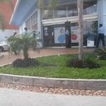 RT @trafficGUAYANA: via @Ingridriera: ⏩@zulimar0809:Situacion d atraco con rehenes en Farmatodo Villa Granada @Ingridriera http://t.co/qiiWBdDyRF