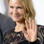RT @eonline: Renee Zellweger, is that you?! Thats quite the new look: http://t.co/fyzeffBvgG http://t.co/I6Q9mMKxU2
