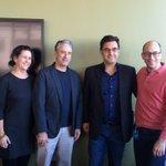 RT @RosewaterMovie: Twitter CEO @dickc greets the #RosewaterMovie team—Gigi Pritzker, Jon Stewart & @maziarbahari—before employee Q&A. http://t.co/mkqOfUM3i2