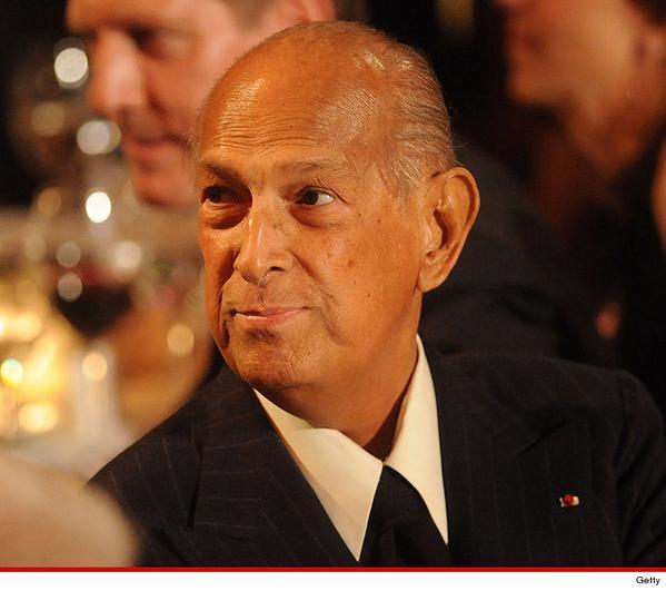 Famed designer, Oscar de la Renta, dies at 82