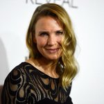 RT @Slate: Renée Zellweger proves that in Hollywood women over 40 get a new face or they disappear: http://t.co/RsV23I38yT http://t.co/oRrAvYMKt8