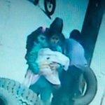 RT @NoticiasCaracol: ¿La ha visto? Raptaron a esta bebé de un hospital en Bogotá http://t.co/hdmTJZZiCH http://t.co/CCbJ4TEnJ8
