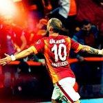 RT @MuammerSaber: #BugünGünlerdenGALATASARAY GALATASARAYIMA,Dortmund macinda Basarilar Diliyorum! Varsa tek gercek o da #Galatasaray ;) http://t.co/zAHzqtI7DZ