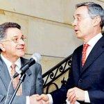RT @elespectador: .@AABenedetti revela convenio de gobierno Uribe para buscar congraciarse con las Farc http://t.co/5cncjbfuGM http://t.co/rMrOS9pJeT