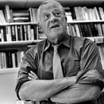 RT @washingtonpost: Ben Bradlee, dead at 93, led the Post as it transformed beyond a small local paper http://t.co/tDAUOacaxs http://t.co/ZPA9nCPqcQ