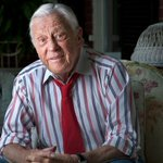 RT @ABC: JUST IN: Ben Bradlee, top editor during Watergate, dies at age 93, Washington Post reports: http://t.co/UqBb9ICrlG http://t.co/97RcvB3UDt