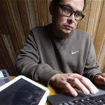 Andrés Peña, un adicto a la tecnología hasta el punto de dejar de comer http://t.co/EJLX5aaeTr #SaludMental http://t.co/UnrMGTdUHL