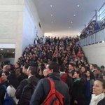 Aquí reportando total normalidad @petrogustavo @TransMilenio #ParodeTransporte ???????????? #transmilenio #SITP http://t.co/iK3hWqi6Vq