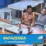 ???????????? É o amor! Débora Lyra e Marlos Cruz falam sobre fazer tatuagem juntos #AFazenda http://t.co/57h63Ujr9m http://t.co/dwiq0sk3YC