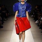 有名なファッションデザイナーの方がデザインした服のようですがすみません、ボーボボに見えました pic.twitter.com/FiTP2gjKpL