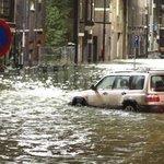 Maeslantkering toch niet dicht in verband met hoogwater Rotterdam : http://t.co/CLrxnQpw14 http://t.co/Dd1raHnGKH