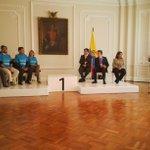 RT @YimmiTovar: Lo máximo hoy @urnadecristal en el evento con @JuanManSantos felicitaciones a todos @tathysan http://t.co/U2OgZSW8jE