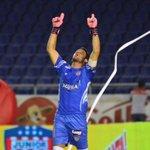 """Soy el capitán del Junior, tengo que levantarme como sea"": Sebastián Viera http://t.co/e2b2Ze6heR http://t.co/PcDDXujPIZ"