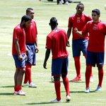 RT @Recordec: Levantan sanción al #DeportivoQuito por pagar parte de la deuda. http://t.co/2PuC7PielI http://t.co/KHJmEIhMUS