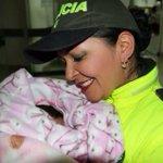 Primeras imágenes de la bebé rescatada por la policía, gracias a colaboración ciudadana. @NoticiasCaracol http://t.co/6GMSlfk421
