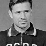 RT @Pravdiva_pravda: 22 октября, в России вспоминают легендарного отечественного футболиста Льва Яшина. Сегодня ему бы исполнилось 85 лет http://t.co/EqsM6GSiQJ