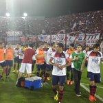RT @Danymacica: Los jugadores de Cerro agradecen a la hinchada por el aliento TODO EL PARTIDO! http://t.co/fNpnSD3ZyE