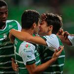 Los Guerreros aplastan al Rebaño y avanzan a semifinales de Copa MX. @ClubSantos golea 5-0 a Chivas. http://t.co/8xzeDknqqK