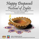 Happy Deepavali to all & thank you for all your sacrifice and contribution in making our Malaysia a great nation. http://t.co/v5pHuAnfDq