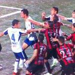 Bronca entre Cruz Azul y Alajuelense en Concachampions http://t.co/VlY4kuQnaA http://t.co/bR04XDg8hz