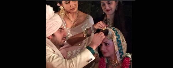 Dia Mirza  Wedding Diarieshttp//tco/FQO J WQN http//tco/jPVyb gYc