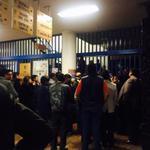 La directora de #FacultaddeDerecho se encerró en el edificio y pretende obstaculizar el paro en apoyo a #Ayotzinapa http://t.co/b6DuLRnaRZ