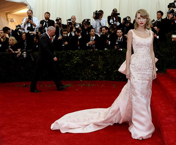 A sampling of Oscar de la Renta's best designs from the past 15 years: