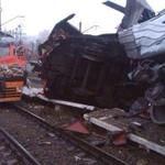 RT @infomoscow24: Ночью в депо #Лобня угнали электричку. Но далеко на ней не уехали — состав врезался в стоящий на путях поезд http://t.co/3l9uY5LsGj