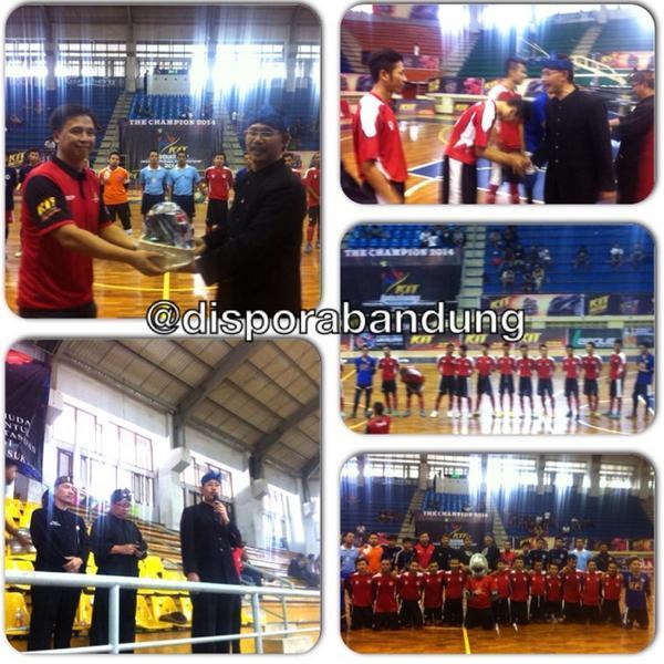 pa ka @DisporaBandung membuka acara kit futsalismo regional bdg 2014 di Gor C-Tra bdg  http://t.co/OYzEJX94iW