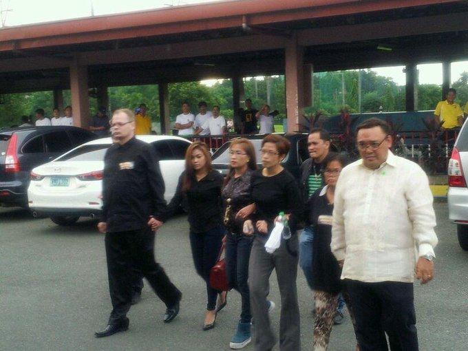 PHOTO: The family of slain transgender Laude and their lawyers visit Camp Aguinaldo. | via @alexisbromero http://t.co/UGjNL2MCsS