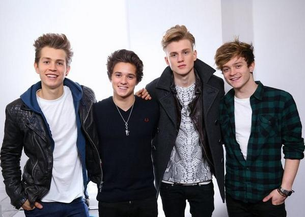 Who's excited for THE VAMPS live in Manila on Feb 1? If you are, RT this tweet!