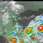 RT @conagua_clima: #DTNUEVE 04 h, en 19.4°N y 92.3°W, a 195 km al WSW de Campeche, Camp. con vientos de 55 km/h y rachas de 75 km/h http://t.co/BekEfd1oAK